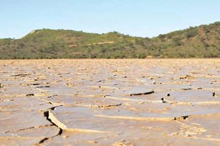 Pasorapa se declara en emergencia y zona de desastre por aguda sequía