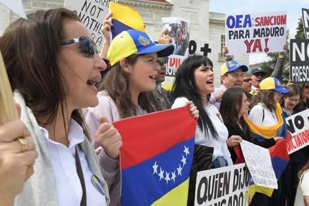 La oposición y el chavismo concentran sus esfuerzos en elecciones regionales