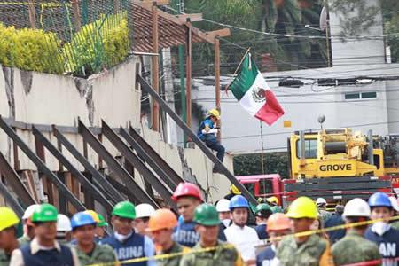 Localizan víctima 26 de escuela Rébsamen colapsada por terremoto en México