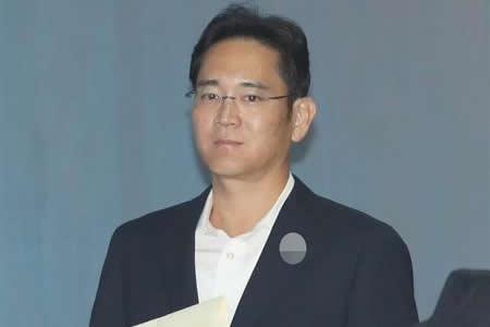 """CEO de Samsung tilda de """"tragedia"""" el encarcelamiento del heredero del grupo"""