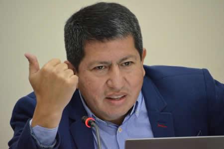 Sánchez dice que hay que duplicar cultivo de caña para producir etanol