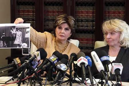 Exactriz asegura que Weinstein se desnudó ante ella y la forzó sexualmente