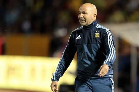 Sampaoli convoca a Kranevitter y Perotti, pero Higuaín queda nuevamente fuera
