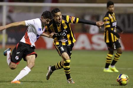 El Tigre le ganó 2 a 1 a Nacional Potosí y sigue en la lucha por el título