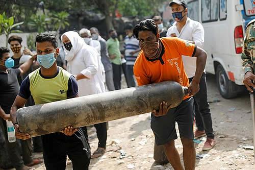 India: el gobierno, bajo presión, intensifica campaña de vacunación contra COVID-19