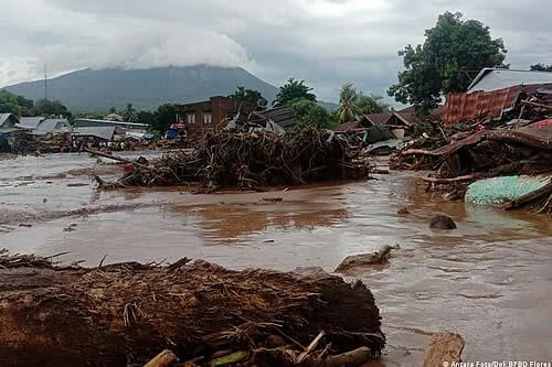 Al menos 133 muertos y decenas de desaparecidos dejan lluvias y deslaves en Indonesia y Timor Oriental