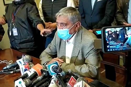 Iván Arias denuncia que en su primer día de gestión lo citaron a audiencia y hay toma de subalcaldías