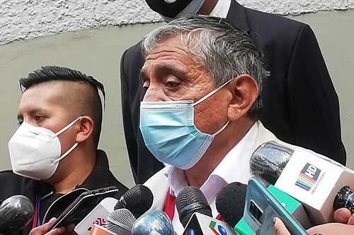 Caso de presunta corrupción en Entel abre otro frente de polémica Gobierno-Iván Arias