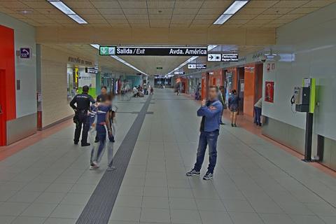 Brutal paliza de dos vigilantes de seguridad a un hombre negro, captada por cámaras
