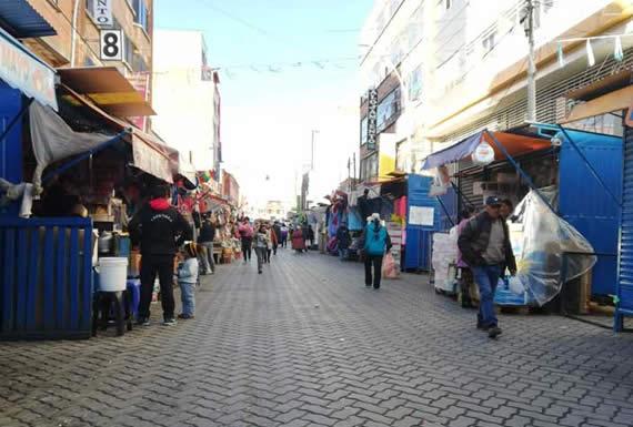Un hombre fallece en vía pública en extrañas circunstancias en El Alto