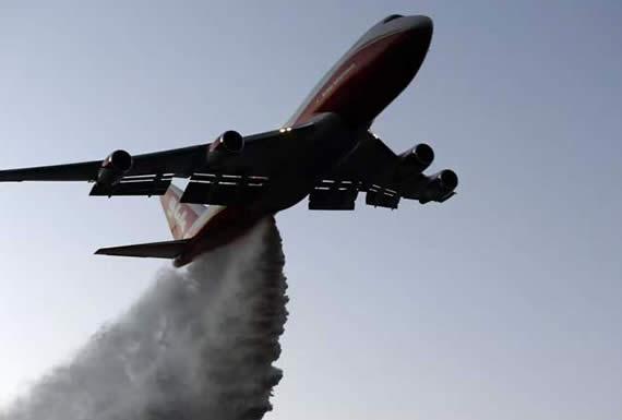 Gobierno contratará avión cisterna Supertanker para combatir incendios