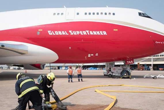 Primera misión del Supertanker es en Taperas para salvaguardar central eléctrica y comunidad