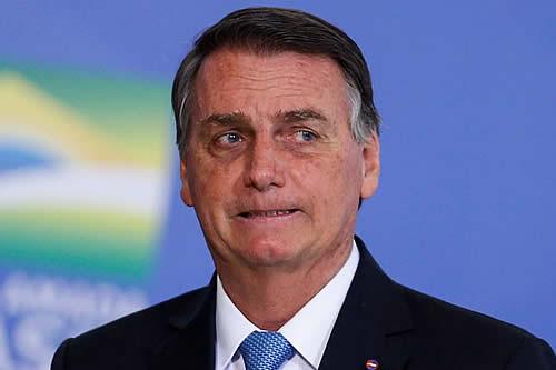 Jair Bolsonaro denuncia que no lo dejaron entrar a un estadio por no estar vacunado
