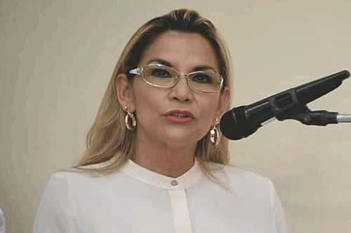 Jeanine Añez es elegida entre las finalistas para el Premio Sájarov