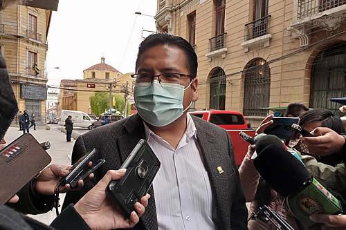 Diputado Jauregui afirma que Bolivia debe aprovechar todos los escenarios para denunciar el rol de la OEA en el golpe de Estado