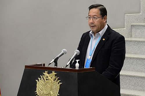 Presidente resalta que el FMI y el Banco Mundial reconozcan resultados del modelo económico boliviano