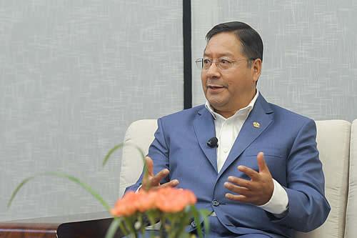 Arce afirma que hay resultados favorables en los tres principales desafíos que tenía el país: lucha contra el COVID-19, educación y reactivación económica