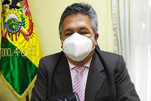 Médicos esperan invitación a diálogo del Gobierno o advierten con paro de 24 horas