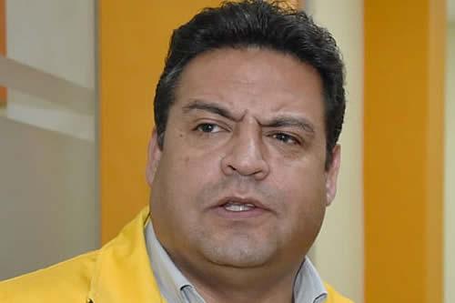 Diputados convocan a Revilla para el miércoles por trabajadores municipales impagos