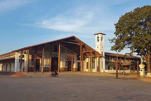 Autoridades gestionan promoción turística de Misiones Jesuíticas de Moxos en Beni