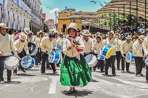 Más de 110 conjuntos folklóricos participarán en el Anata Andino en Oruro