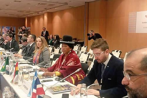 Ministra de Culturas participa en la XII Reunión de Turismo en Andorra