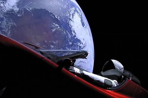Normas de tráfico espacial: ¿quién tendría la culpa si chocan dos satélites en el espacio?