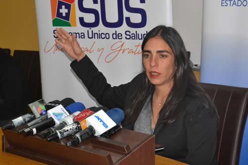 Ministra de Salud convoca a médicos a retomar el diálogo