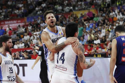 Argentina elimina al favorito Serbia y hace historia en el Mundial de baloncesto