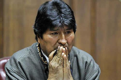Cuestionan en Argentina el refugio de Evo por sus dichos sobre milicias