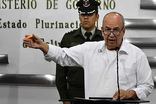 Ministro de Gobierno garantiza integridad física de Romero ante protestas de la población