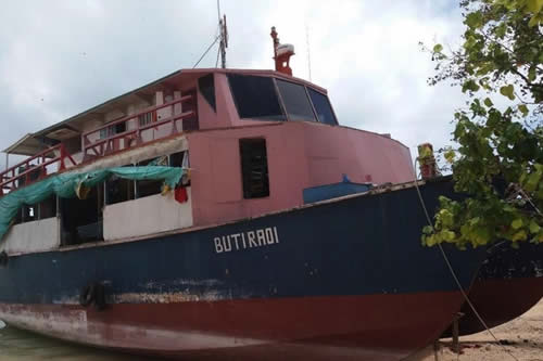 Buque con un capitán borracho sufre un naufragio y decenas de víctimas mueren de hambre y sed por la demora en el inicio de las tareas de búsqueda