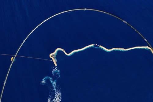 Este dispositivo ideado por un adolescente podría acabar con la basura oceánica