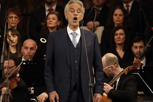 Tenor italiano Andrea Bocelli cantará en Cuba en diciembre