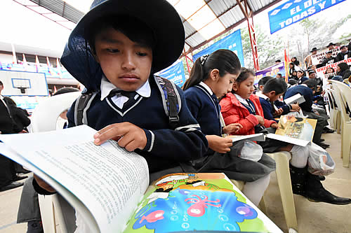 Churata afirma que 100% de unidades educativas en La Paz reanudó clases