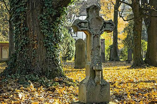 Singapur: Ocho familias visitaron tumbas equivocadas durante 39 años debido a un error del cementerio