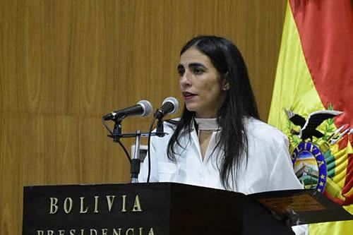 Ministra de Salud confirma que el SUS se amplía para bolivianos en el extranjero