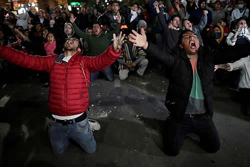 Derriban estatua de Hugo Chávez en protestas contra reelección de Evo Morales en Bolivia
