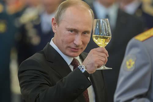 Putin celebra su cumpleaños junto con familiares y recibe felicitaciones de homólogos