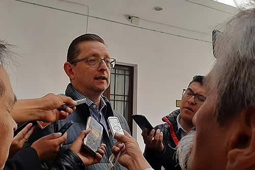 Senador Ortiz presenta al TSE impugnación para impedir habilitación de Evo Morales a comicios