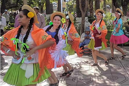 Más de 10.000 mujeres participarán en entrada de comadres en Tarija: Paz