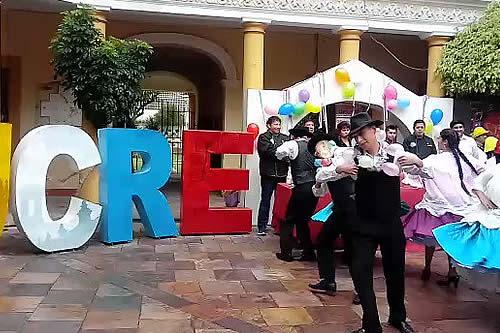 Elección de la cholita y reinas carnavaleras abren festejos en Sucre