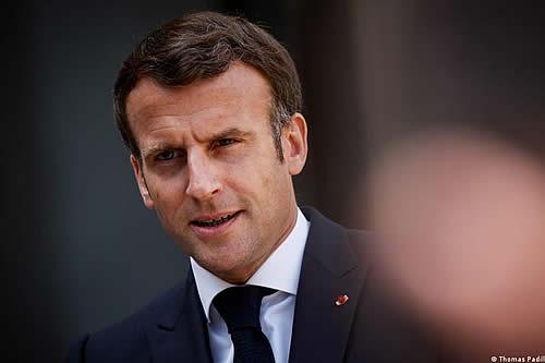 Gobierno francés intenta mantener referéndum sobre el clima