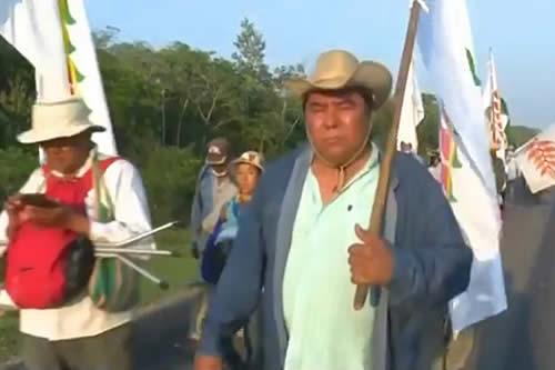 """Evo: Cívicos cruceños que llamaron """"bestias humanas"""" a los indígenas, ahora utilizan su marcha"""