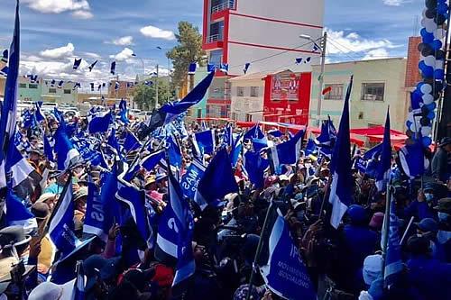 Segunda vuelta: Evo Morales destaca aporte de los movimientos sociales a las campañas del MAS