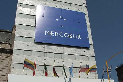 """Brasil y Argentina anuncian """"consenso"""" sobre la tarifa externa del Mercosur"""