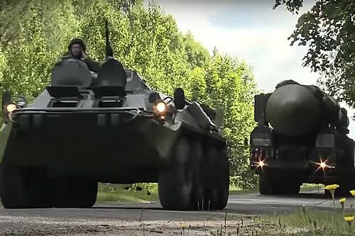 Así entrenan las unidades de misiles estratégicos móviles Yars de Rusia
