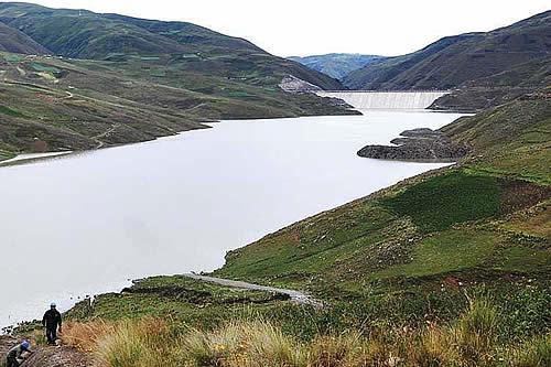 Gobierno comenzará estudio de provisión de agua para riego en Misicuni