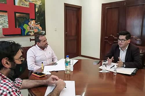 Ministro de Economía y autoridades subnacionales analizan situación financiera de Gobernación de Santa Cruz