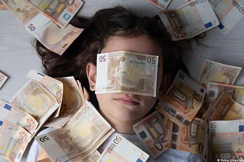España: 49% no confía en gobierno para usar fondos recuperación